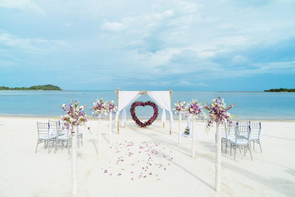 Egyszerű esküvő, kevés meghívott vendéggel, de emlékezetes marad egy életre