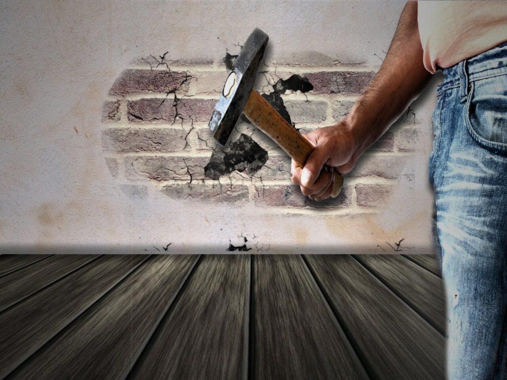 Mit kérjünk nászajándékba: lakásfelújításhoz szakembert