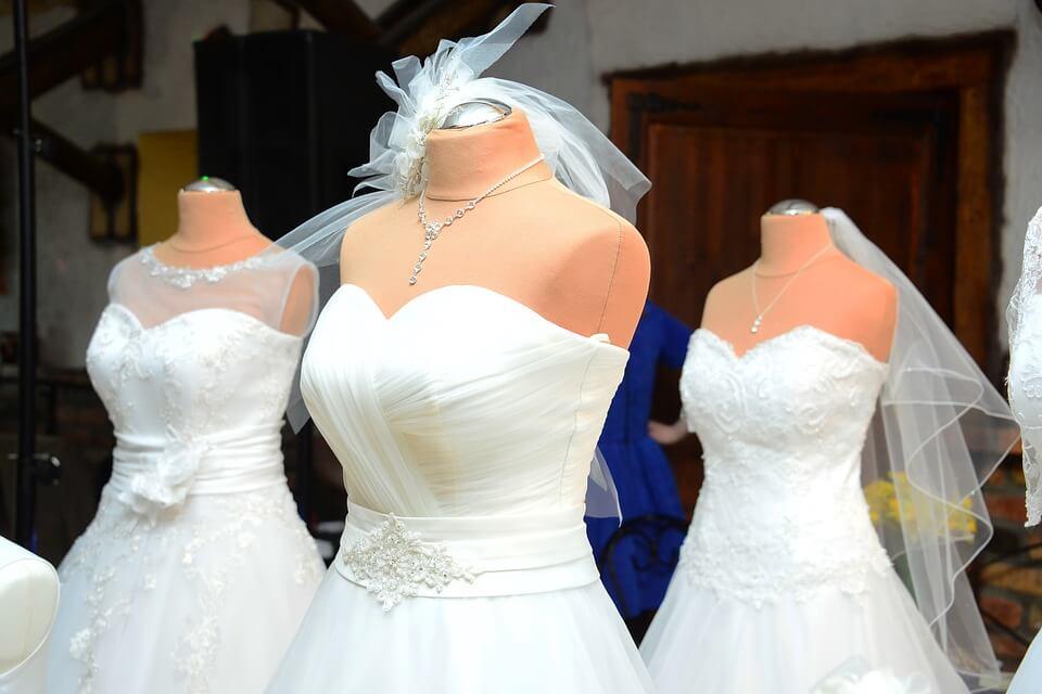 Menyasszonyi ruha márka